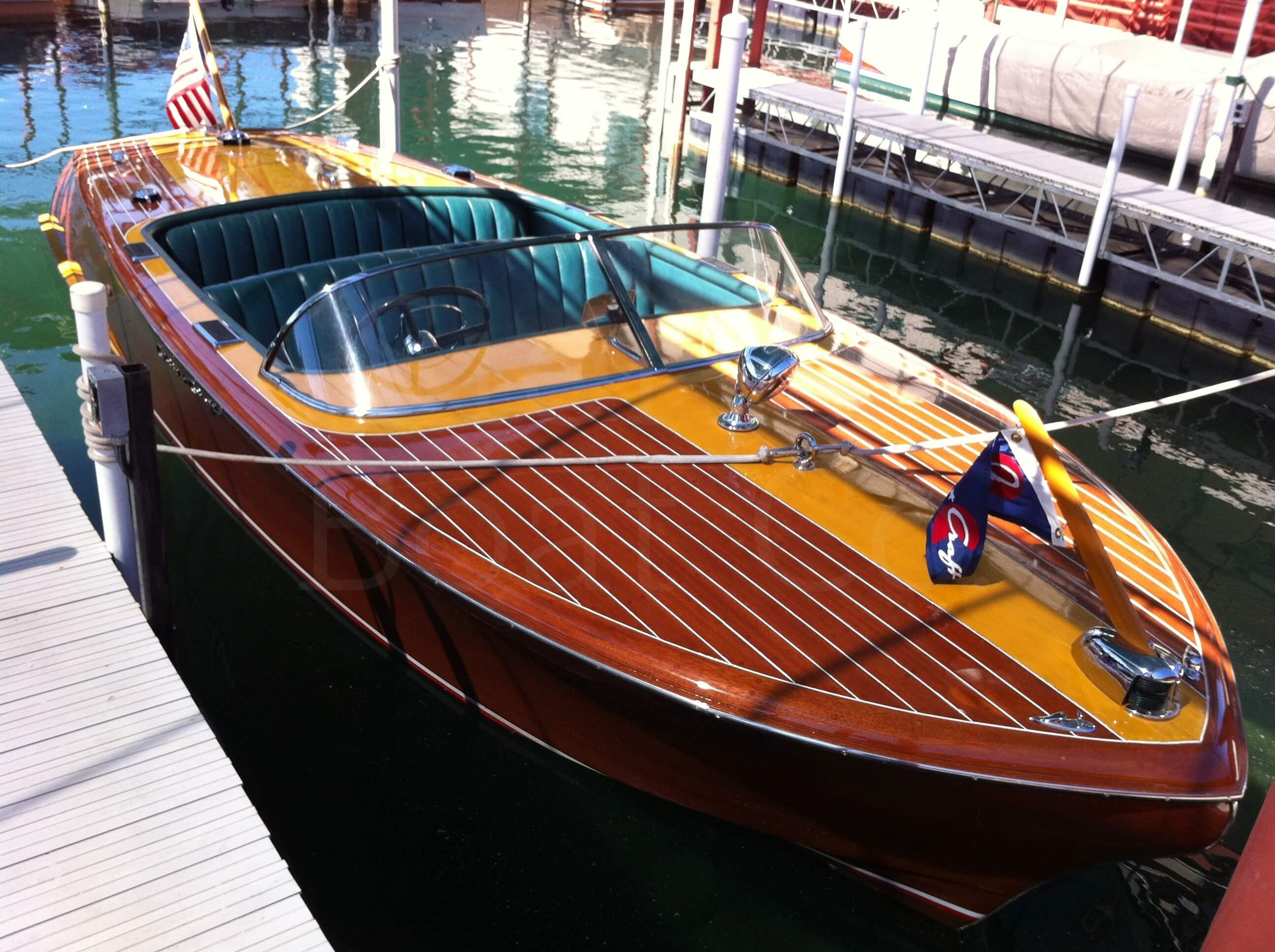 1955 Chris Craft 21ft Capri - Sierra Boat Co  - Hemi Engine