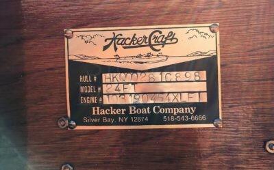 1998 Hacker-Craft 24ft Triple Cockpit Runabout