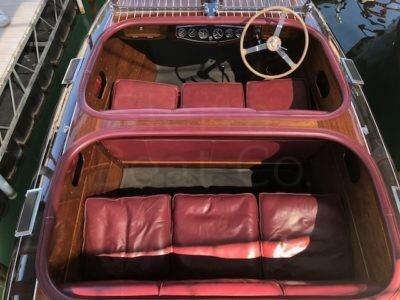 1939 Chris Craft 19ft Custom Runabout Barrel Back