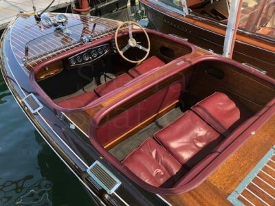 1939 Chris Craft 19ft Custom Runabout Barrel Back